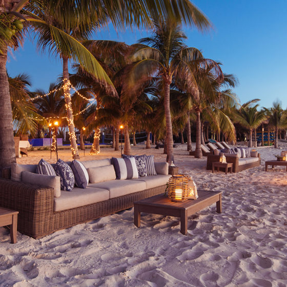 Over Yonder Cay Beach Lounge