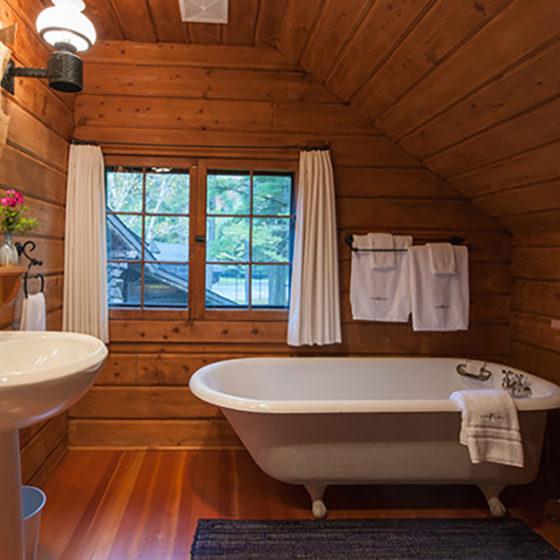 Lake Kora Cottage Bath